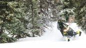 снегоход Polaris 800 SKS 146 2019 в движении