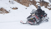 Снегоход Polaris 550 Indy Adventure 155 2015 В движении