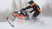Снегоход Polaris 800 Switchback Assault 144 LE В движении